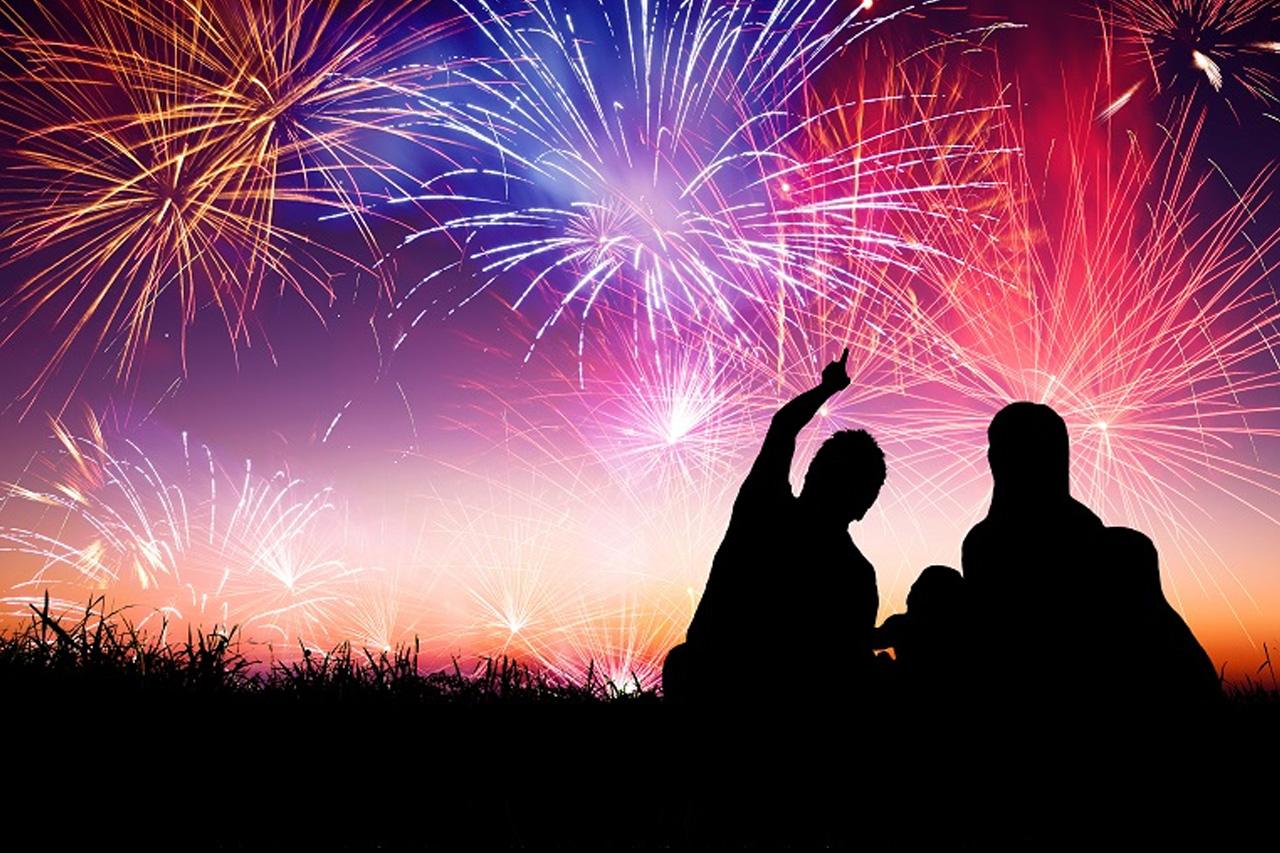 fireworks_lawnry_lines_header_1
